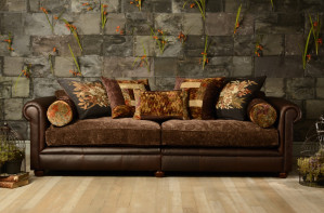 Tetrad/churchillsofa01.jpg